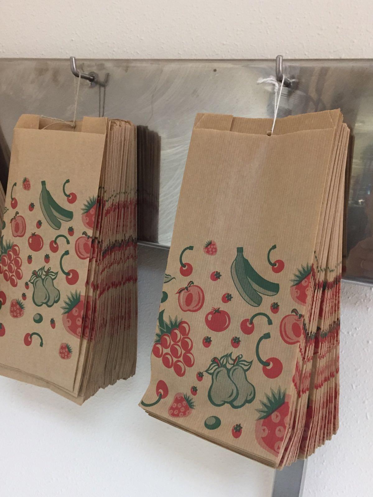 7dc163e2d Tomar opción por las bolsas de papel kraft te hace diferenciarte de la  competencia, con el simple gesto de sustituir las bolsas de plástico  contaminantes ...